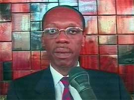 Tidligere president Jean-Bertrand Aristide får bli i Nigeria noen uker. (Arkivfoto)