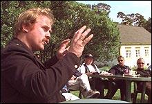 Kurt Oddekalv må tirsdag møte i retten tiltalt for å ha revet ned et gjerde i Heidal 2002.