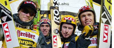 Mange vil se hopperne i Lillehammer i kveld.