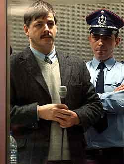 Marc Dutroux i retten mandag. Foto: Eric Vidal, AFP