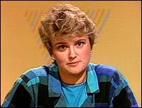 I 1987 var Øvrebotten redaksjonssjef, og var mellom anna å sjå på fjernsynsskjermen som utspørjar på valsendingane. (Foto: NRK © 1987)