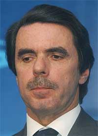 Valgobservatører mener statsminister José María Aznars nederlag er en straff fra velgerne. (Foto: AP/Scanpix)