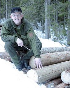 Skogbruksleder Thor Olsen er glad at tørrgrana kan komme til nytte.