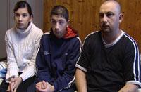 Dusan og familien hans ble sendt tilbake til Tsjekkia etter 48 timer.