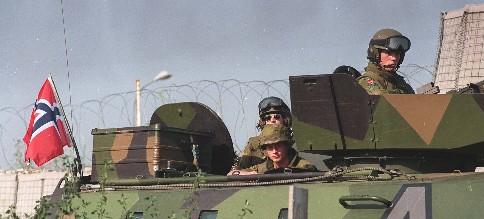 Skal Norge fortsette å sende soldater til utlandet? Vi tok debatten i Rett på. Foto: SCANPIX