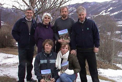 Lars Aamodt, Margit Vindegg, Eldgrim Springgard, Halvor Garås. Foran: Torjus Lien og Aina Haugstad.