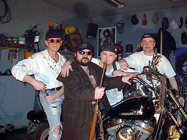 Bluesbandet Muddy Buddies fra Stokmarknes prøver akkurat nå å sette ny verdensrekord i blues.