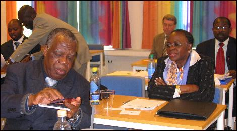 Mme. Sarata Toure (t.h.)leder delegasjonen på 20 politikere, statsråder, embedsfolk og næringslivsledere fra Elfenbenskysten Foto: Gunnar Sandvik