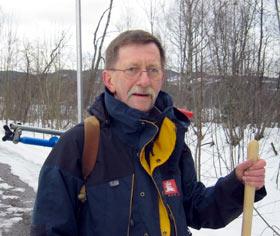 Gunnar Haugen i NVE gjør seg klar til å sjekke mjøsisen.