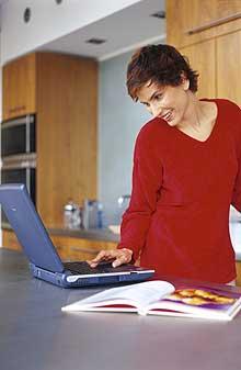 Vær sikker på at du får med deg Forbrukerrådets tips for netthandel! (Lenke finner du over.)Foto: Visual Media