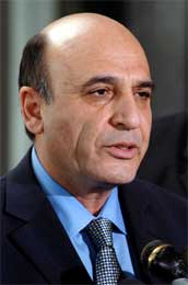 Israels forsvarsminister Shaul Mofaz truer med at andre Hamas-ledere kan dele Yassins skjebne (Scanpix/AFP)