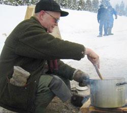 Leder i Stopp Regionfelt Østlandet, Einar Gjems lager mat.