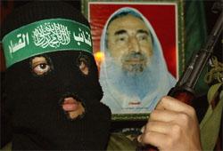 Et soldat i Hamas sørger over drapet på Hamas-leder sjeik Ahmned Yassin. (Foto: Reuters/Scanpix)