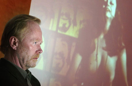 Tidligere sensurerte filmer skal frigis, sa daværende dirketør i Filmtilsynet Tom Løland i oktober i fjor. Nå snur tilsynet i saken (Foto: Scanpix/Morten Holm)