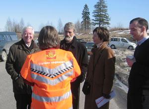 Ordførerne Henning Myrvang og Audun Aasheim gleder seg over de gode nyhetene fra minister Skogsholm.