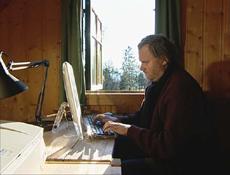Jon Fosse skriver best i gamle hus. Foto: NRK