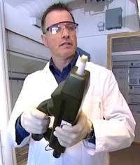 - Dagens sensor kan gi uriktig informasjon, sier Hans Christian Gran ved FFI (Foto: NRK)