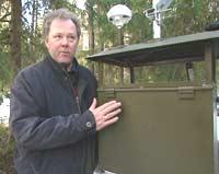 -Terrorister bør ikke vite hvor dette utstyret står, sier Bjørn Arne Johansen (Foto: NRK)