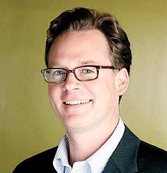 Jannik Lindbæk Jr. er informasjonsdirektør i Microsoft Norge og gleder seg til å gi norske bilister musikk gjennom bomringen. Foto: Microsoft Norge.