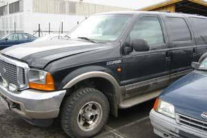 Ford Excursion som ble stjålet sammen med ransbilen i Hamar.