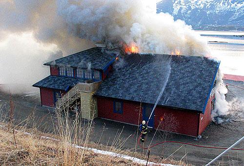 Slik så det ut på brannstedet på Kråkberget. Foto: Ben Tommy Eriksen.