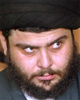 SAMTALER: Opprørslederen Moqtada al-Sadr skal være i samtaler med irakiske myndigheter om å overgi seg. Men kampene fortsetter. (Foto:REUTERS/Akram Saleh)