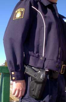En nordmann ble arrestert i Strömstad etter at han forsøkte å frata en svensk politimann hans tjenestevåpen. Foto Rainer Prang NRK.