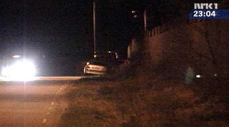 Politiet startet aksjonen i går kveld. (Foto: NRK)