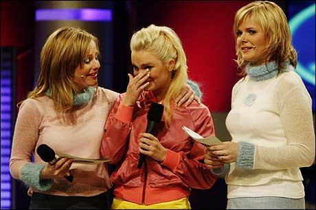 Maren Flotve Birkeland, saman med programleiarane Solveig Kloppen (t.v.) og Ingrid Gjessing, er ikkje den einaste som må tørke tårer fordi ho ikkje kjem til Idol-finalen. (Foto: Cornelius Poppe, Scanpix)