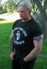 Outlaws-president Dag E. Stærkeby fotografert i Øvre Eiker sommeren 2000. Foto: Scanpix