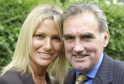 George Best og hans fraskilte kone Alex i lykkeligere dager (Foto: Tony Harris/ AP)