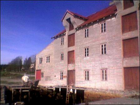 Den gamle tønnefabrikken fra 1918 skal restaureres og bli hotell. Foto: Roar Strøm