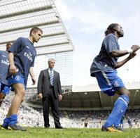 God oppvarming hjalp ikke Chelsea på St. James` Park. (Foto: AP Photo/Paul Ellis)