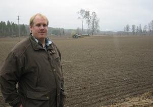 Bonde Sigvardt Pran i Sør-Odal leier 700 mål jord av de til sammen 1600 han dyrker.