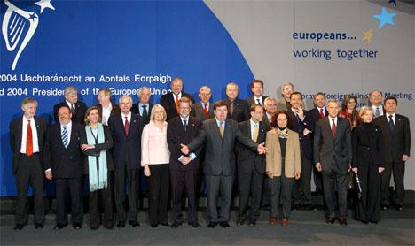 På ministerrådsmøtene er det fagministrene som samles. Her EUs utenriksministere under et møte i Irland i april i år. (Foto: AFP/Scanpix)