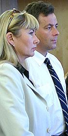 Gunn Fosse og hennes forsvarer, Gunnar Reinsnes.