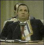 Israels statsminister Ehud Barak sier ja til nyefredsforhandlinger.