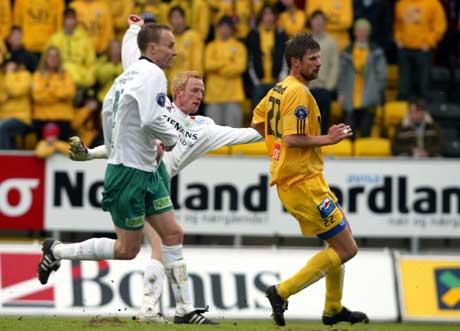 Espen Olsen skyter og lager 1-0 til Ham-Kam. (Foto: Gorm Kallestad / SCANPIX)