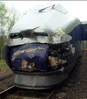 Også toget fikk store skader i sammenstøtet med traktoren. Foto: Tor Keiser.
