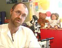 Barnelege Arne K. Myhre ved St.Olavs hospital har gjennomført studien. (Foto: NRK)
