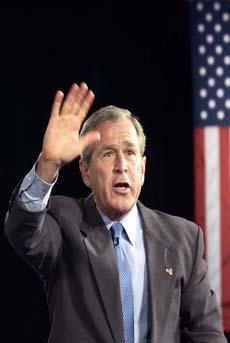 FOR FEDRELANDET?: Striden fortsetter hvorvidt president George W. Bush lurte seg unna mens han var i militære.