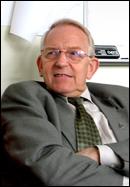 Frænaordfører Arve Hans Otterlei vil heller ha kommunesamarbeid enn sammenslåingshysteri,