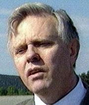 Styreformann Tore Sundvor må kaste kortene.