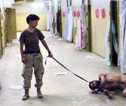 Fire av ti amerikanere godtar tortur, slik som i Abu Ghraib-fengselet i Irak. (Arkivfoto: AP/Scanpix)