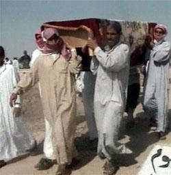 Minst 40 mennesker ble drept da amerikanske styrker bombet en irakisk landsby ved grensen til Syria i går. (Foto: Al Arabiya/Reuters/Scanpix)