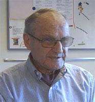 Professor Kjell Aas mener det er sammenheng mellom fuktskadde boliger og sykdom . Foto: Arne Brommeland