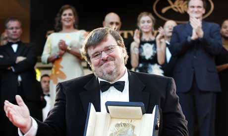 Michael Moore vant Gullpalmen i Cannes for «Fahrenheit 9/11»