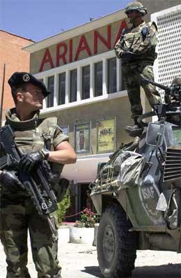 Franske ISAF-soldatar patruljerer i Kabul. (Foto: AFP/Scanpix)