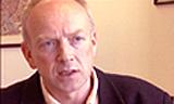 Generalsekretær Tor Øystein Vaaland i Rådet for psykisk helse er opprørt over at penger som skulle vært brukt til psykisk helse, blir brukt til annen virksomhet. Foto: NRK Puls