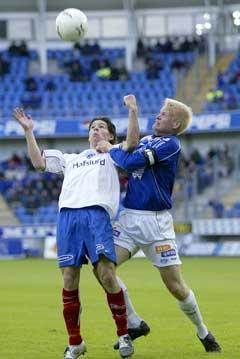Vålerengas Daniel Fredheim Holm (t.v.) i duell med Moldes kaptein David Ljung. (Foto: Håkon Mosvold Larsen / SCANPIX)